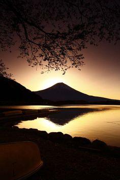 Mt. Fuji, Japan: photo by Yukihiro Suzuki