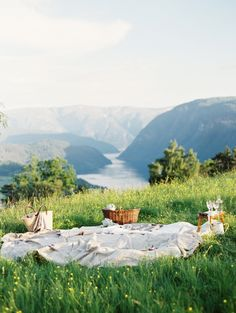 Norway picnic, by Erich McVey I wanna go to Norway Beautiful World, Beautiful Places, Beautiful Norway, Beautiful Days, Romantic Places, Adventure Is Out There, Plein Air, Oh The Places You'll Go, The Great Outdoors