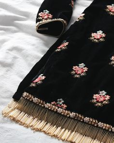 Best 12 Beautiful Hand Embroidery – Page 317855686200707442 – SkillOfKing. Velvet Dress Designs, Fancy Blouse Designs, Dress Neck Designs, Designs For Dresses, Hand Embroidery Dress, Embroidery Suits Design, Embroidery Fashion, Dress Paterns, Pakistani Dress Design