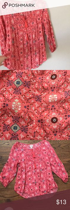 Coral printed blouse Mossimo coral printed blouse. Excellent condition. The true color is coral instead pink as it might show in couple of the pictures. Mossimo Supply Co Tops Blouses