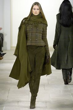 Ralph Lauren Fall 2006 Ready-to-Wear Fashion Show Ralph Lauren Herbst 2006 Ready-to-Wear-Kollektion – Vogue Love Fashion, High Fashion, Fashion Show, Fashion Looks, Womens Fashion, Fashion Design, Fashion Trends, Ralph Lauren Style, Ralph Lauren Collection