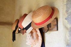 Owijanie ciała folią wyszczupla i oczyszcza — Krok do Zdrowia Making Gift Boxes, Make Your Own Hat, Hat Hanger, Wood Nails, Le Pilates, Vagina, Box Houses, Rustic Style, Healthy Habits