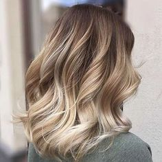 Lob look with soft blonde balayage #balayage #blonde #inspiration