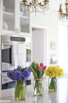 Spring Room Decor: 6 Ways to Add Spring Cheer to Your Kitchen - Home Decor Ideas Spring Home Decor, Easy Home Decor, Home Decor Trends, Home Decor Inspiration, Decor Ideas, Spring Decorations, Spring Kitchen Decor, Arrangements Ikebana, Boho Home