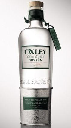 0 La primera ginebra destilada a temperaturas bajo cero (a unos -5°). Bajo un innovador método de destilación y una producción artesanal de 240 botellas al día que convierte a OXLEY en una ginebra única y excepcional en el mercado. La Ginebra OXLEY inaugura un exclusivo club privado, Oxley Gentlemen Club, en Madrid.