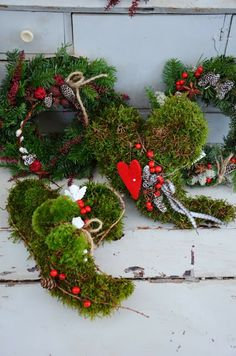 Outdoor Christmas Decoration - Moss
