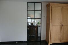Stalen deuren zijn op ambachtelijke wijze op maat gemaakt