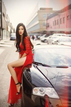 Beautiful in red dress Asian Fashion, Look Fashion, Womens Fashion, Luxury Fashion, Fashion Images, Fashion Ideas, Winter Fashion, Beautiful Asian Women, Beautiful Legs