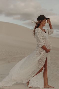 Classic Beauty, Maternity Dresses, Occasion Dresses, Photoshoot, Gowns, September, Wedding Dresses, Lace, Beautiful