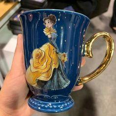 Disney Coffee Mugs, Cute Coffee Mugs, Cool Mugs, Disney Souvenirs, Disney Parks, Disney Pixar, Tassen Design, Deco Disney, Disney Cups
