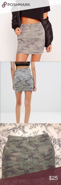 Missguided Mini Camo Skirt This is the cutest skirt ever and I love it. It is such a statement piece and can go with anything! Super in right now and will add style to your outfits! This needs a new owner! This is in perfect condition and I barely wore it. NO trades, offers acceptable Missguided Skirts Mini