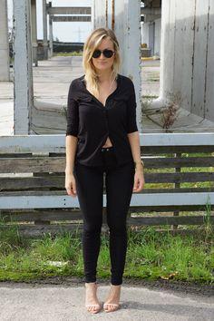 All black look All Black Looks, Vegan Recipes, Black Jeans, Lifestyle, My Style, Health, Pants, Fashion, Moda