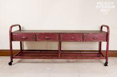 Ein praktisches und robustes Möbel mit poppigem Loft-Design