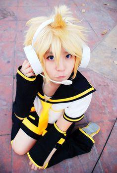 Vocaloid Cosplay: Kagamine Len