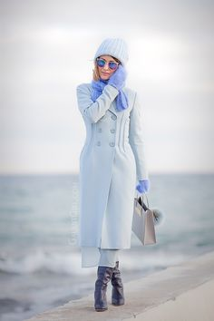 blue+coat+outfit-winter+street+style+ideas-fashion+blogger-ellena+galant