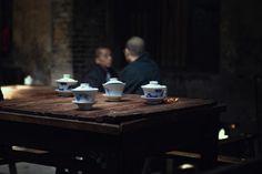 生活繁复多变,唯有这一壶清茶,依旧如初。 Chinese Theme, Tea Lounge, Tea Culture, Tea Art, Tea Ceremony, Ropes, Art Pictures, Food Inspiration, Tea Time