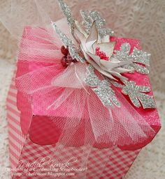Thoughts of a Cardmaking Scrapbooker!: Glittered Ornament with Box....