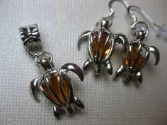 Sea turtle jewelry locket set sea turtle pendant by LocketsToGo, $25.00 Sea Turtle Jewelry, Turtle Earrings, Turtle Homes, Beauty Tips, Beauty Hacks, Sea Turtles, Sparkles, Cute Pictures, Jewlery