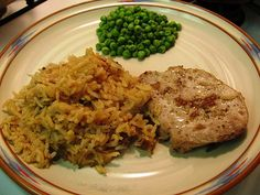 Our kids LOVE this! Mom's pork chops and rice casserole (10 Weight Watchers PointsPlus) #casseroles #kidfavorites #weightwatchers
