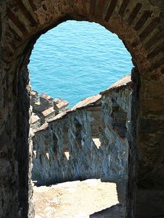 Stepping into the sea | Atop the walls of Rumeli Hisarı _ Istanbul,Turkey