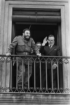 Fidel Castro and Salvador Allende. Two of the main figures in the dissertation that I'm currently working on. Fidel Castro, Che Guevara, Photo Star, Jolie Photo, Interesting History, Coups, World History, Photojournalism, Historical Photos