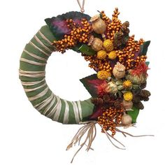 Őszi kopogtató vegyes termésekkel - Szárazvirág díszek webáruháza Wreaths, Fall, Home Decor, Autumn, Decoration Home, Door Wreaths, Fall Season, Room Decor, Deco Mesh Wreaths