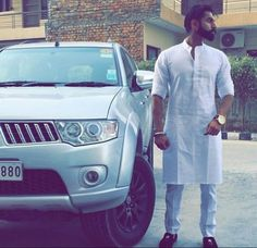 Discover recipes, home ideas, style inspiration and other ideas to try. Punjabi Kurta Pajama Men, Kurta Men, Indian Men Fashion, Boy Fashion, Mens Fashion, Popular Outfits, Outfits For Teens, Funeral Outfit, How To Wear Loafers