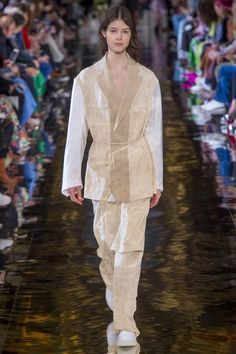 Stella McCartney Fall 2018 Ready-to-Wear Collection - Vogue
