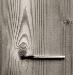 Fotografia criativa e apenas em preto e branco para formar uma ilusão de ótica de Chema Madoz - blog de design bonstutoriais (9)