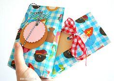 Een cadeauzakje vouwen doe je zo | Moodkids Longchamp, Diy And Crafts, Diys, Net, Coin Purse, Wraps, Gift Wrapping, Purses, Tote Bag