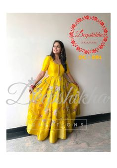 DC - Stunning yellow color floor length dress with floral print. For queries kindly WhatsApp : 9059683293 . Choli Dress, Anarkali Dress, Bandhani Dress, Indian Designer Outfits, Designer Dresses, Mode Bollywood, Kids Party Wear Dresses, Floral Print Gowns, Ikkat Dresses