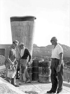 De visita de obra con Le Corbusier en la Unité de Habitación. Marsella,1945-52