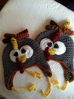 Crochet Pattern Hats 10 FREE Crochet Turkey Hat Patterns: Turkey Earflap Crochet Hat FREE Pattern - A turkey crochet hat will put a smile on anyone's face this Thanksgiving and smiles are always something to be thankful for! Thanksgiving Crochet, Holiday Crochet, Crochet Bebe, Crochet For Kids, Free Crochet, Thanksgiving Games, Autumn Crochet, Halloween Crochet, Crochet Baby Hat Patterns