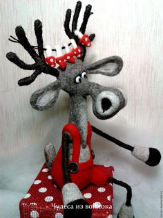 """Купить Интерьерная валяная игрушка """"Олень Мухоморчик"""" - валяная игрушка, валяный олень, олень игрушка"""