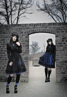 I think a black and blue coordinate is one of my biggest Lolita fashion goals <3 I love this combo so much!