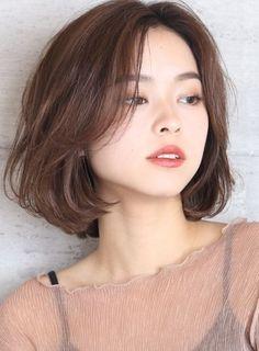 Short Hair With Bangs, Girl Short Hair, Short Hair Cuts, Girls Short Haircuts, Asian Short Hairstyles, Korean Short Hairstyle, Short Hair Korean Style, Ulzzang Short Hair, Korean Haircut