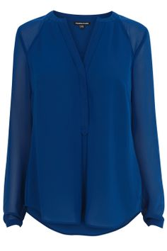 Nice colour and style Casual Work Outfits, Work Casual, Business Outfits, Business Attire, Blouse Styles, Blouse Designs, Blue Blouse, Asian Fashion, Latest Fashion Clothes