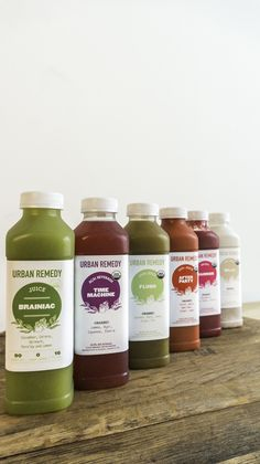 A delicious, organic juice cleanse delivered to your door = easy juicing just in time for summer clothing season!  #juicing #cleanse #detox
