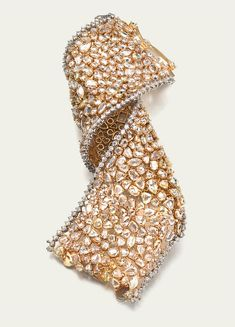 Diamond Bracelet,will try and make this with freshwater pearls,sworovski stones and antique glass beads.
