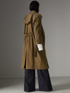 The Long Westminster Heritage Trench Coat in Dark Military Khaki - Women | Burberry Australia - cell image 2
