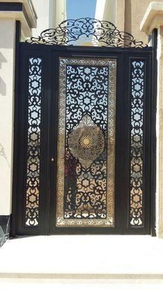 Decorative Metal Screen, Decorative Boxes, Welcome Signs Front Door, Iron Gate Design, Old Wooden Doors, Door Gate, Iron Decor, Stencil Designs, Door Design