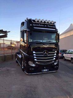 Used Trucks for sale online Mercedes Benz Trucks, Volvo Trucks, Show Trucks, Big Trucks, Mercedes Benz Commercial, Mb Truck, Carl Benz, Customised Trucks, Heavy Duty Trucks