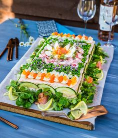 Sandwhich Cake, Grazing Tables, Swedish Recipes, Miniature Food, Fresh Rolls, Afternoon Tea, Avocado Toast, Catering, Cravings