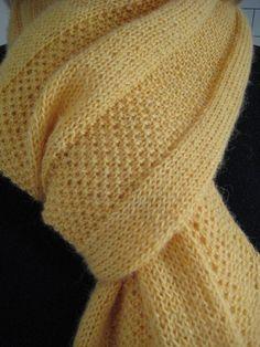 Free Pattern: Golden Windowpane Scarf by Hannah Ingalls