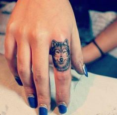 Such a sick finger tattoo!!