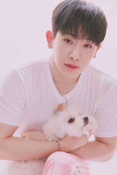 Monbebes will surely lovingly gaze at the boys of MONSTA X the same way they looked at these puppies in the new photos from TWOTUCKGOM! Jooheon, Hyungwon, Kihyun, Shownu, Monsta X Minhyuk, Mamamoo, K Pop, Nct 127, Puppy Day