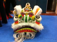 White training lion. #Liondance #liondancing #lion #chinese #Martialarts #kungfu #chineseliondance #chinesenewyear #futsam #hoksan #futhok #art #design #traditional #culture