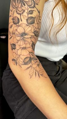 Dope Tattoos For Women, Tattoos For Women Flowers, Tattoos For Women Half Sleeve, Shoulder Tattoos For Women, Arm Sleeve Tattoos, Floral Sleeve Tattoos, Floral Arm Tattoo, Quarter Sleeve Tattoos, Feminine Tattoo Sleeves