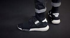 Sneakers Y3 Qasa design by Yohji Yamamoto for Adidas