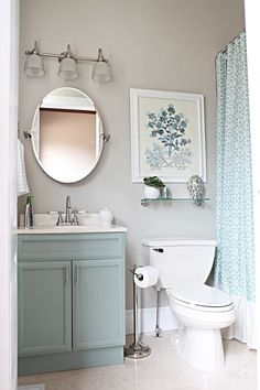 Small bathroom ideas can sometimes be challenging. Here are some helpful tips on decor and organization to make the most of your small bathroom space.